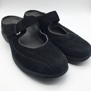 MERRELL Topo Clutch Black Suede Leather Slide. 9.5